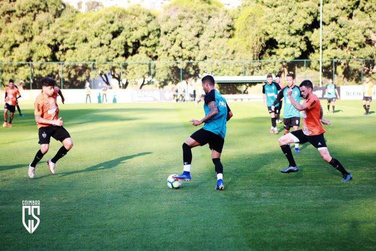 Jogo-treino na Cidade do Galo